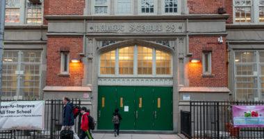 Koronavirusi/ New York City mbyll shkollat, lokalet dhe restorantet