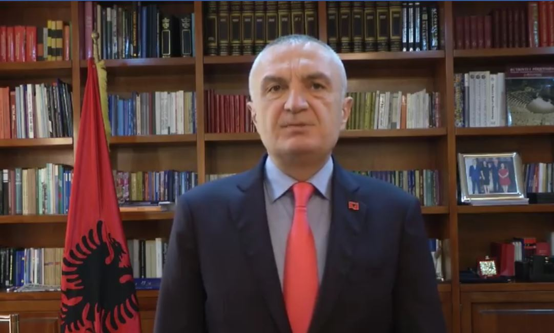"""""""Punë heroike e atdhetare në shërbim të informimit publik"""", Presidenti Meta ka një mesazh falenderimi për gazetarët"""