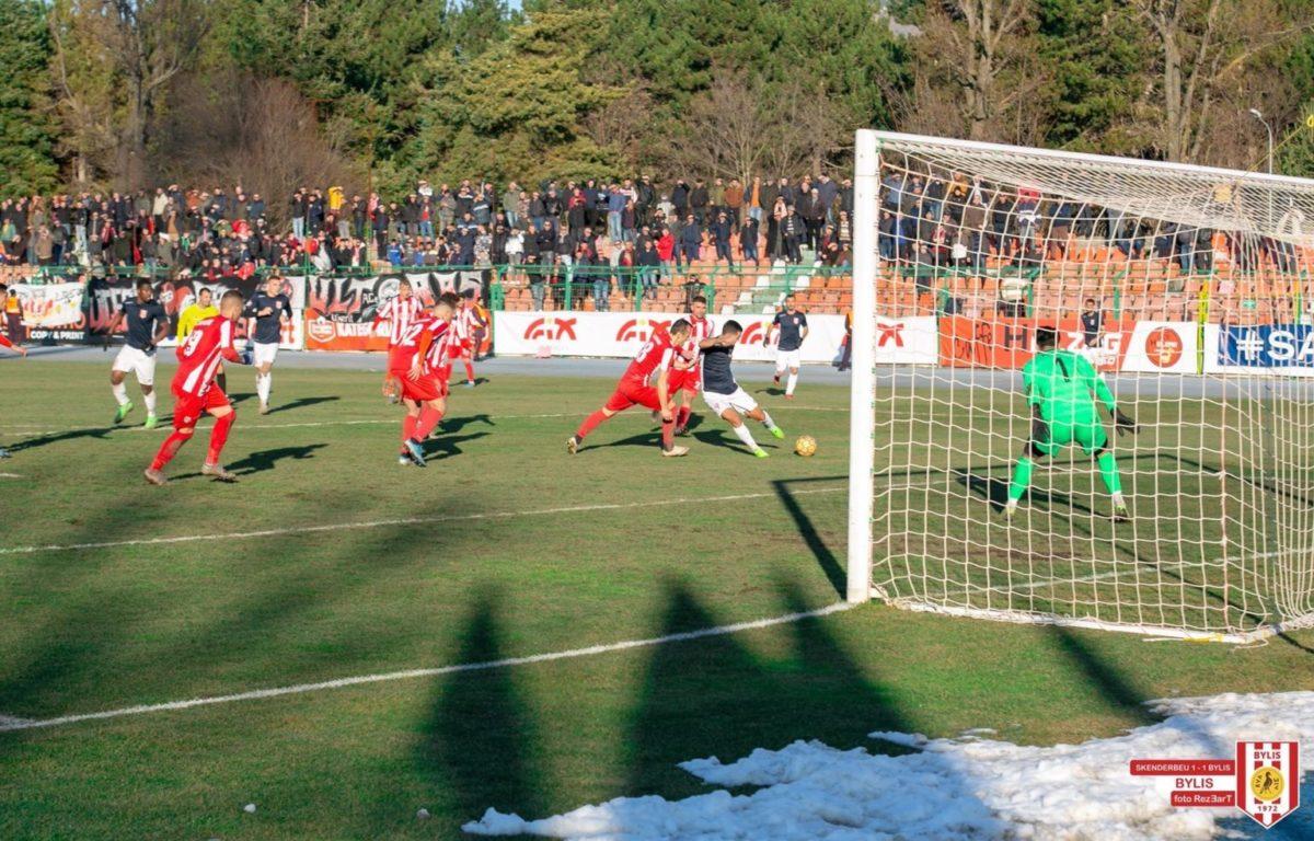 Mozzone zbulon Shqipërinë: Jepet çdo ndeshje në TV, ka vetëm një problem