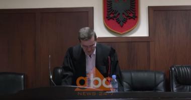 """Operacioni """"fati i lojërave"""",Gjykata liron Gramoz Muratajn, vëllain e kryetares së KPA dhe 85 të arrestuarit"""