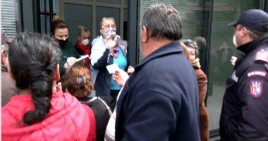 Kaos dhe dyndje në njësinë bashkiake nr.1, qytetarët mblidhen dhe kërkojnë bukë