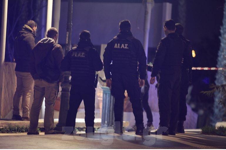 Të shtëna me armë zjarri në Athinë, plagoset shqiptari