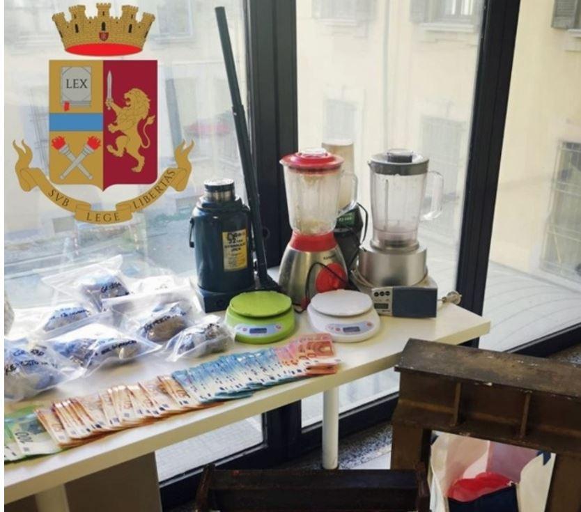 Zbulohet rafineria e përpunimit të kokainës dhe heroinës, tre shqiptarë të arrestuar në Itali