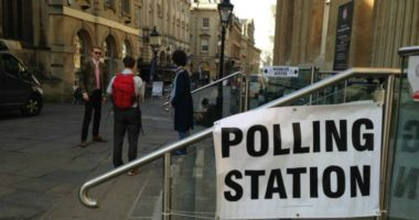 Frikë nga koronavirusi, Britania shtyn zgjedhjet lokale