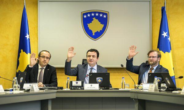 Frika nga koronavirusi, qeveria e Kosovës ndërpret mësimin deri më 27 mars