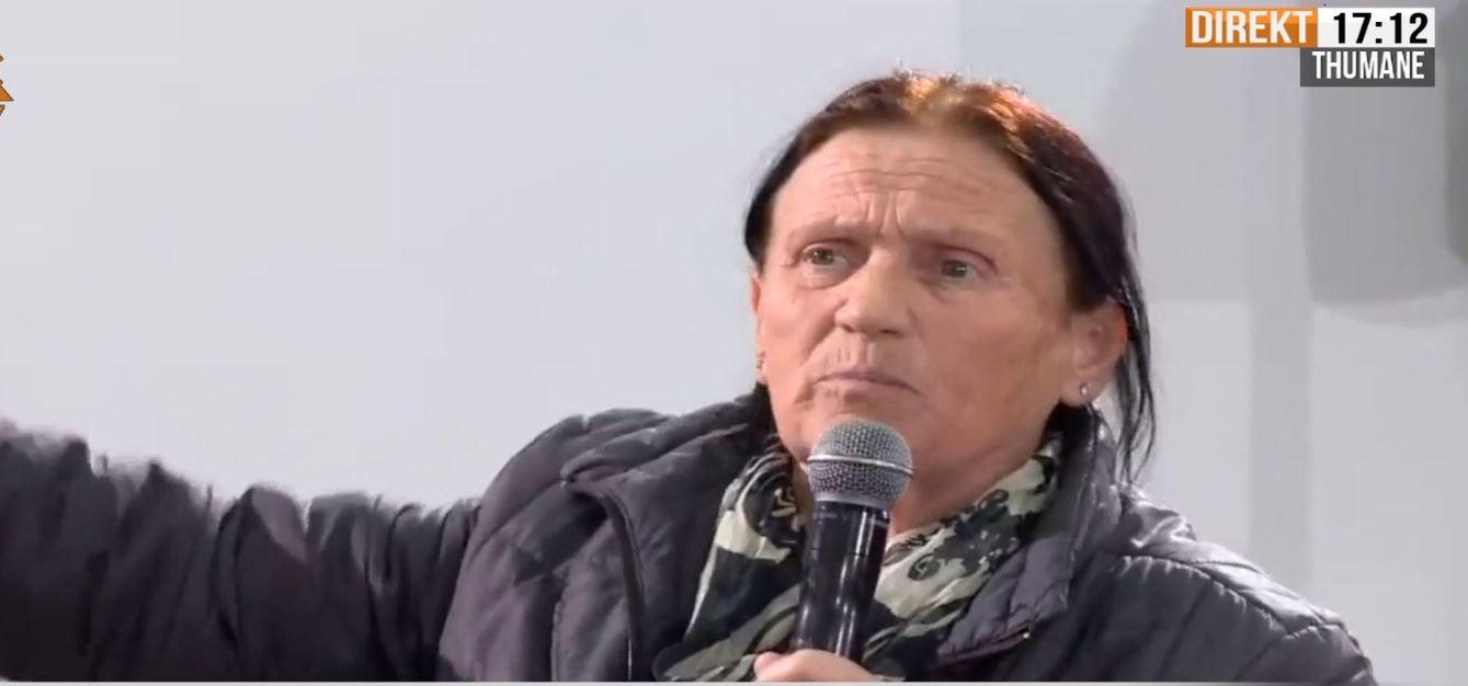 """""""O Edi Rama, lëri përrallat se ka shku atje ku nuk mban më"""": Gruaja përplaset me kryeministrin në Thumanë"""