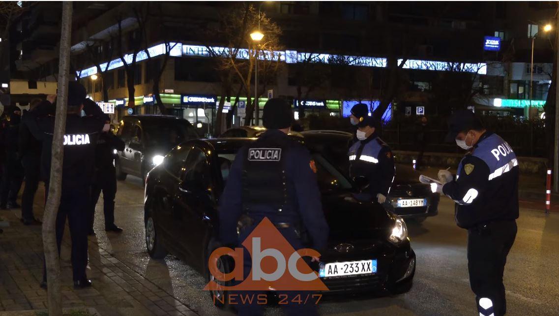 """Tirana në """"në gjendje lufte"""": Biznese të mbyllura e rrugë bosh, policia e ushtria kontrolle"""