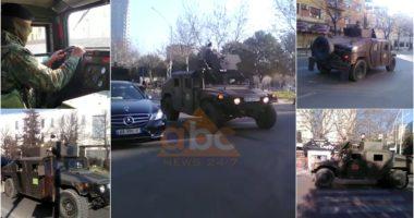 VIDEO/ Koronavirusi, qeveria nxjerr ushtrinë nga kazermat: Blindat lëvizin në rrugët e Tiranës