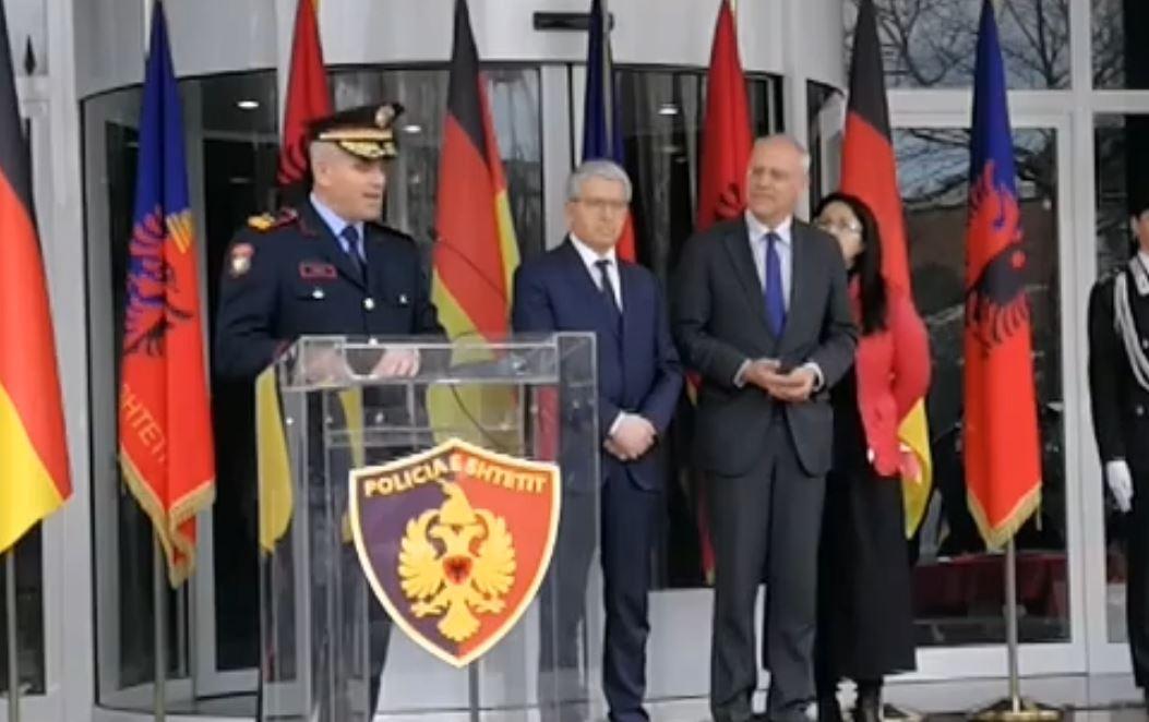 Gjermania i dhuron policisë shqiptare 7 automjete, Veliu: Kapin shifrën 327 mijë euro