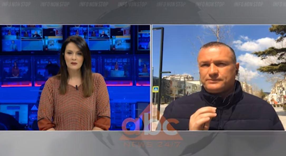 Vlorë, banorët thyejnë rregullat, policia përplaset me romët që protestojnë