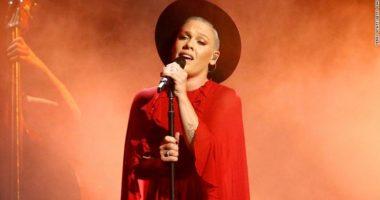 Këngëtarja e famshme mposht koronavirusin, dhuron 1milion dollarë për të luftuar pandeminë
