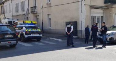 2 të vdekur dhe 5 të plagosur, emigranti merr thikën dhe sulmon klientët e një furre në Francë