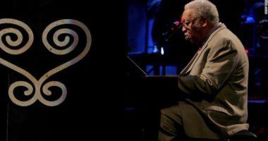 Legjenda e jazz amerikan vdes me Covid-19