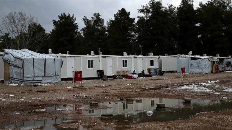 20 refugjatë rezultojnë pozitiv me koronavirus, kampi në Greqi vendoset në karantinë