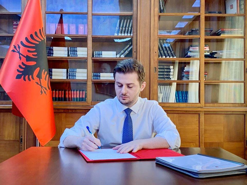 Projektet e përbashkëta, Cakaj nënshkruan tre marrëveshje të reja me Kosovën