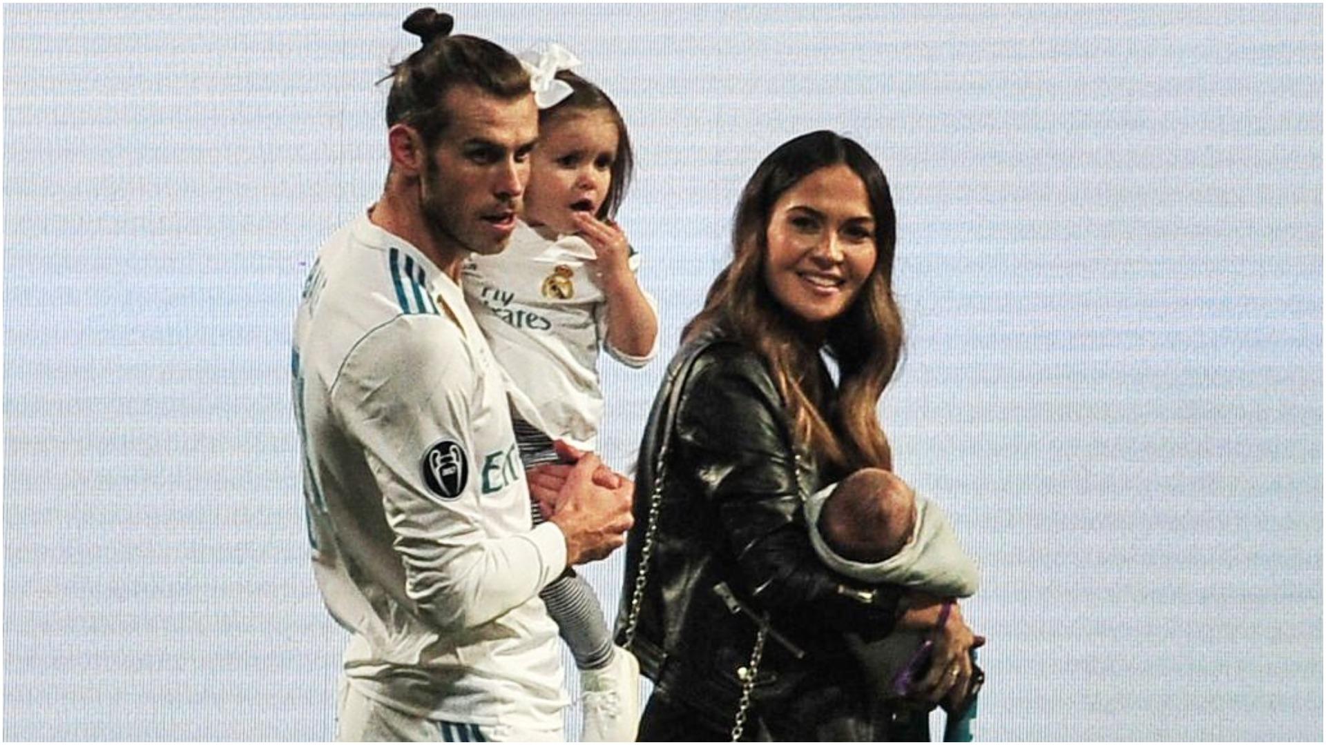 Njeri i madh! Bale dhuron 500 mijë sterlina për spitalin ku lindi