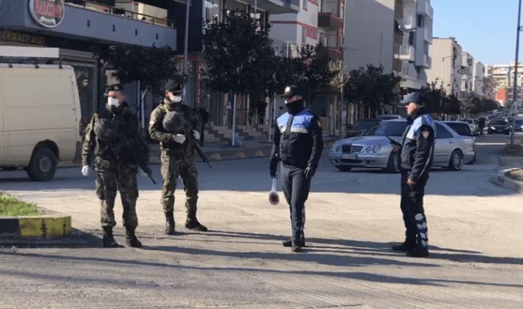 """Vendi dy ditë në """"shtetrrethim"""": Shqiptarët izolohen në shtëpi gjatë fundjavës"""