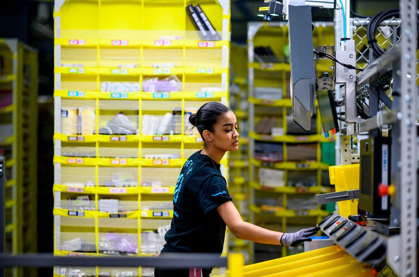 Rriten shitjet online, Amazon hap 75 mijë vende pune të reja
