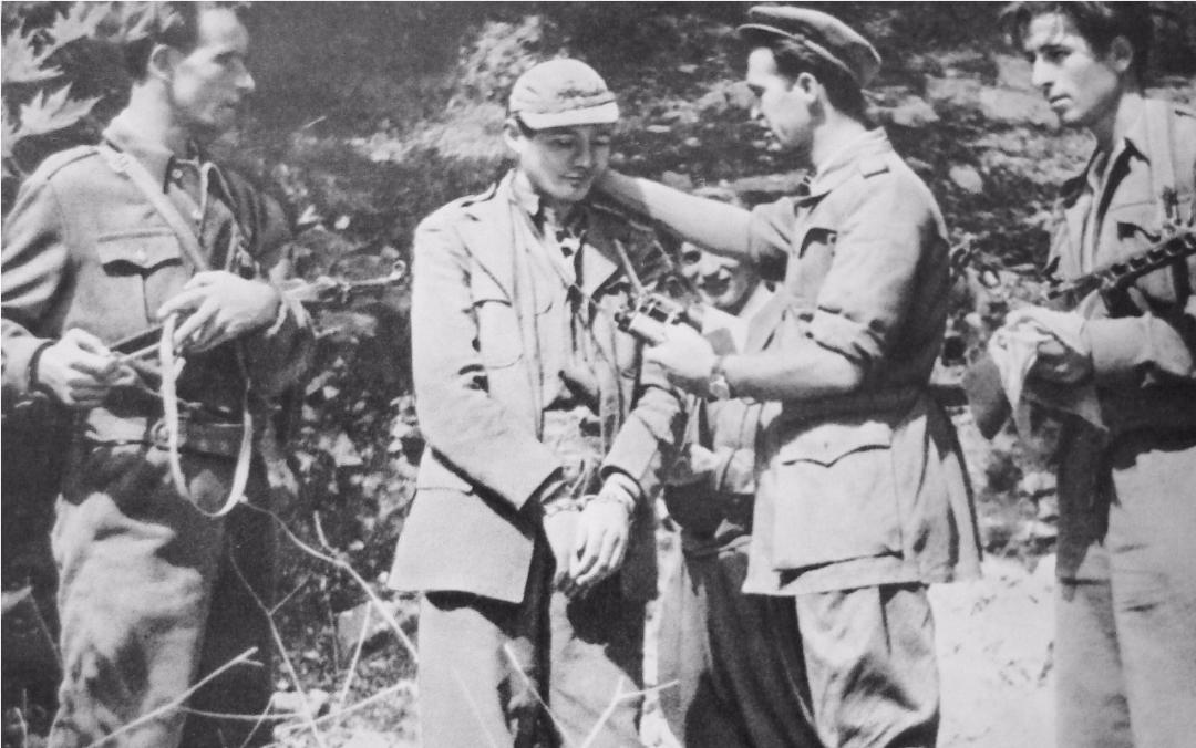 Sigurimi i Shtetit, si i garantoi pushtet të përjetshëm Enver Hoxhës