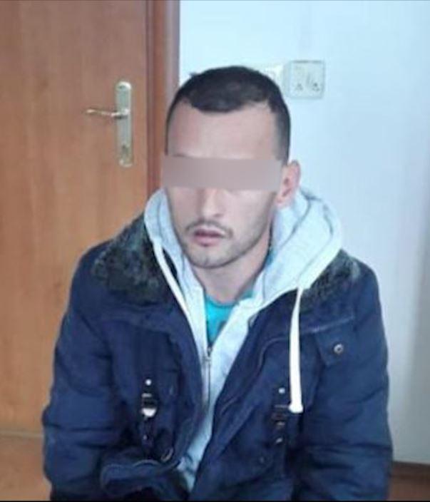 EMRI/ I dënuar me burg për disa vepra penale, arrestohet 31-vjeçari nga Kamza me qëllim ekstradimi në Itali