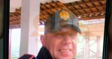 """EMRI/ """"Maskohej"""" si polic dhe mashtronte qytetarët, arrestohet 43-vjeçari në Kuçovë"""