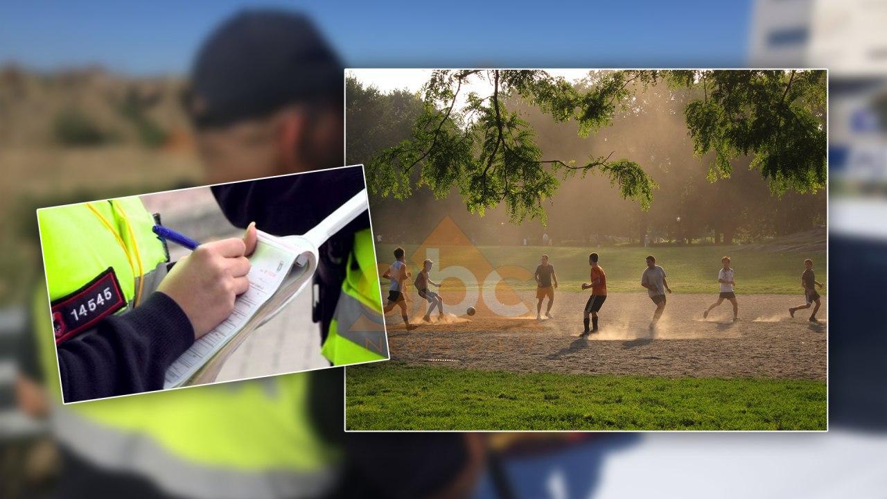 Thyen karantinën duke luajtur futboll në pyll: Gjobiten 10 vlonjatët, mes tyre edhe një polic