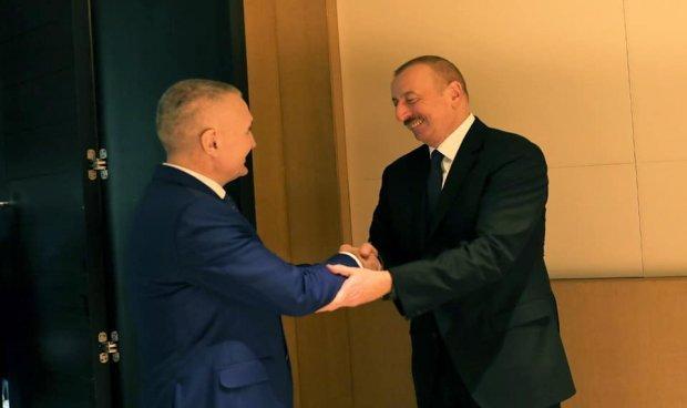 Luftën ndaj COVID-19, presidenti Meta bisedë telefonike me homologun e Azerbajxhanit