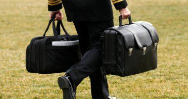 """Johnson në spital, """"humb"""" valixhja me kodet e raketave bërthamore"""