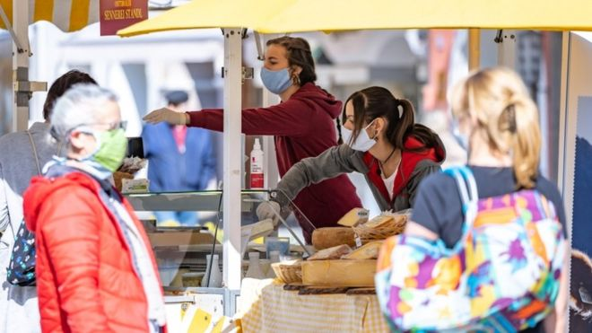Austria nis lehtësimin e masave, rihapen dyqanet