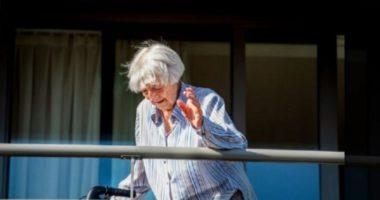 E moshuara 107-vjeçare fiton betejën me koronavirusin
