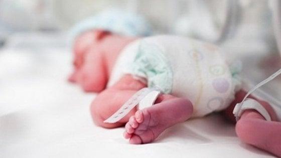 """I preku të gjithë me mesazhin e tij, pacienti """"një"""" i Italisë me Cocid-19 bëhet baba"""