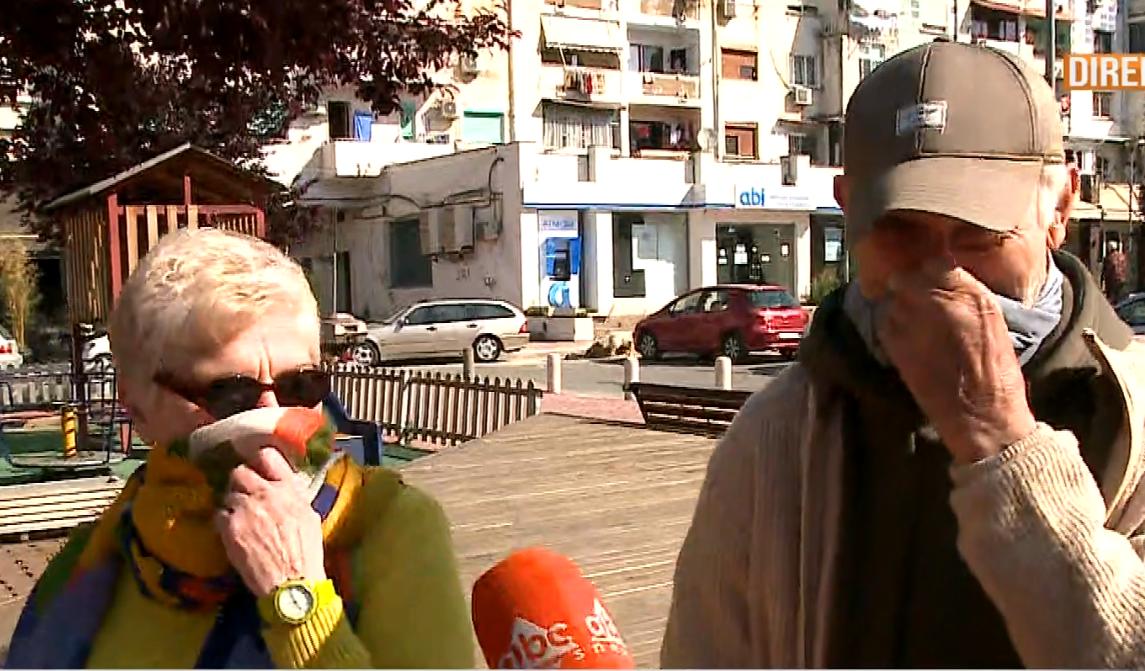 """""""Burrat nuk durohen në shtëpi"""", pensionistët në shëtitje: Si e kalojmë kohën në izolim"""