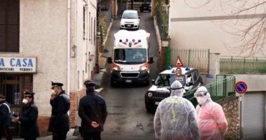 """Asnjë nuk del nga shtëpia, fshati italian i karantinuar shndërrohet në """"laborator njerëzor"""""""