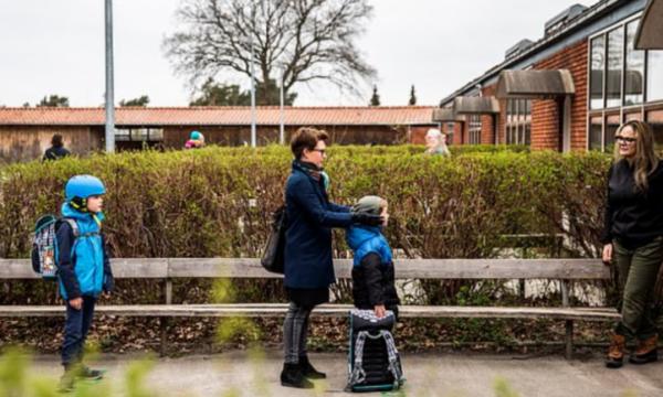 I pari vend që hapi shkollat, këto janë rregullat që duhet të zbatojnë nxënësit në Danimarkë