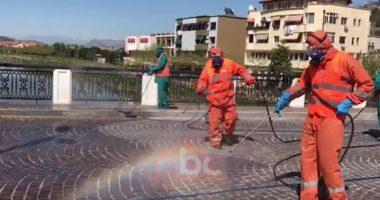 Makina që shpërndajmë ujë e klor dhe specialistë në terren, dezinfektohet çdo hapësirë publike në Lezhë