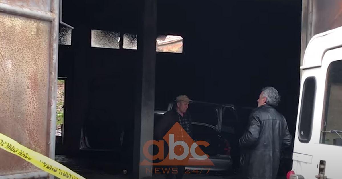 VIDEO/ Digjen tre automjete në Korçë, dyshohet për zjarrvënie të qëllimshme