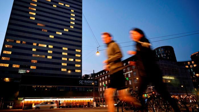 Danimarka drejt rrugës për heqjen e kufizimeve ndaj koronavirusit