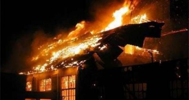 Zjarr në një banesë në Gjirokastër, dyshohet e qëllimshme