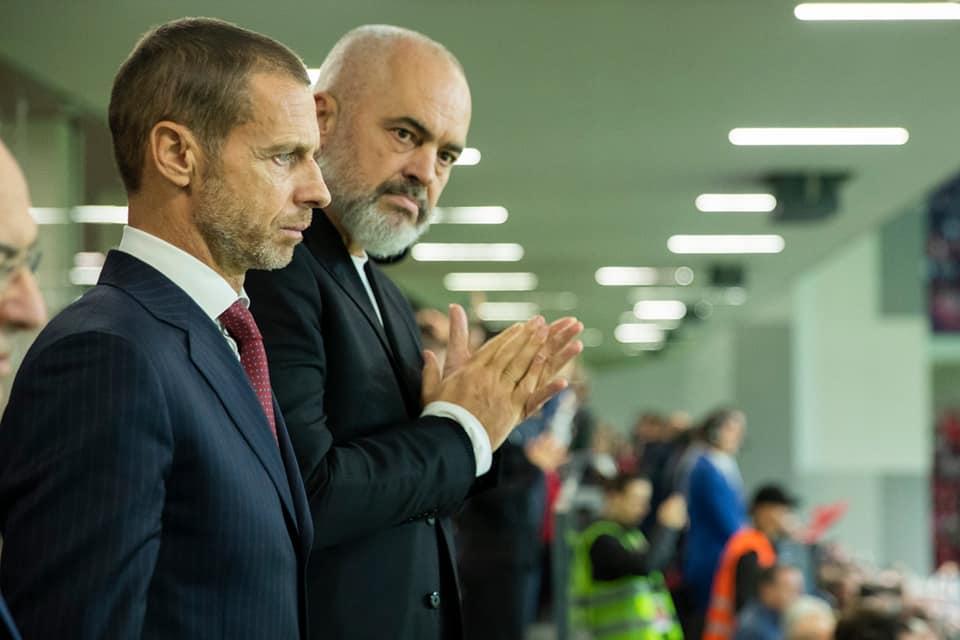 """Dita e vendimit për futbollin, """"topi"""" te kryeministri Edi Rama"""