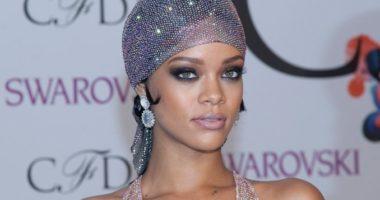 E veshur me durag, Rihanna bën histori në kopertinën e British Vogue