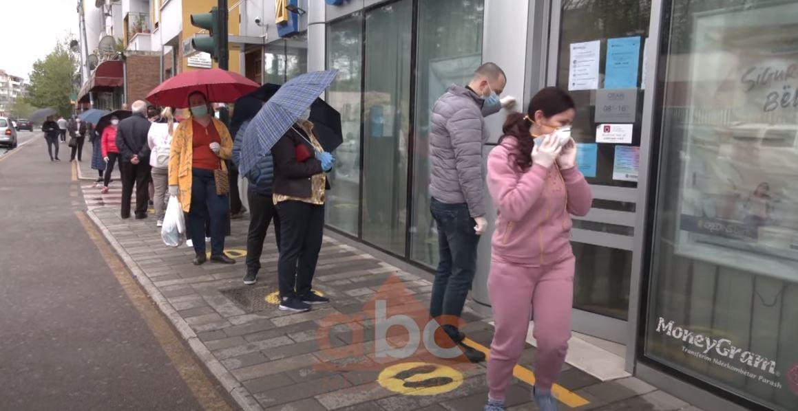 Radhë tek OSHEE, qytetaret akuza për abuzime me faturat