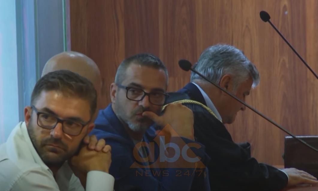 """""""Covid-19"""" shtyn seancën për ish-ministrin Saimir Tahiri, Gjykata: Nuk është çështje e ngutshme"""