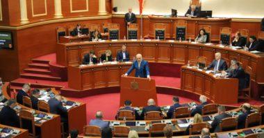 Kjo pritet të jetë seanca plenare më unike, si do të ulen deputetët