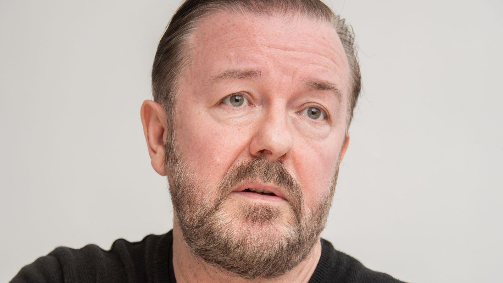 Komediani britanik: S'dua të dëgjoj më ankesa nga njerëz që janë izoluar në vila me pishina