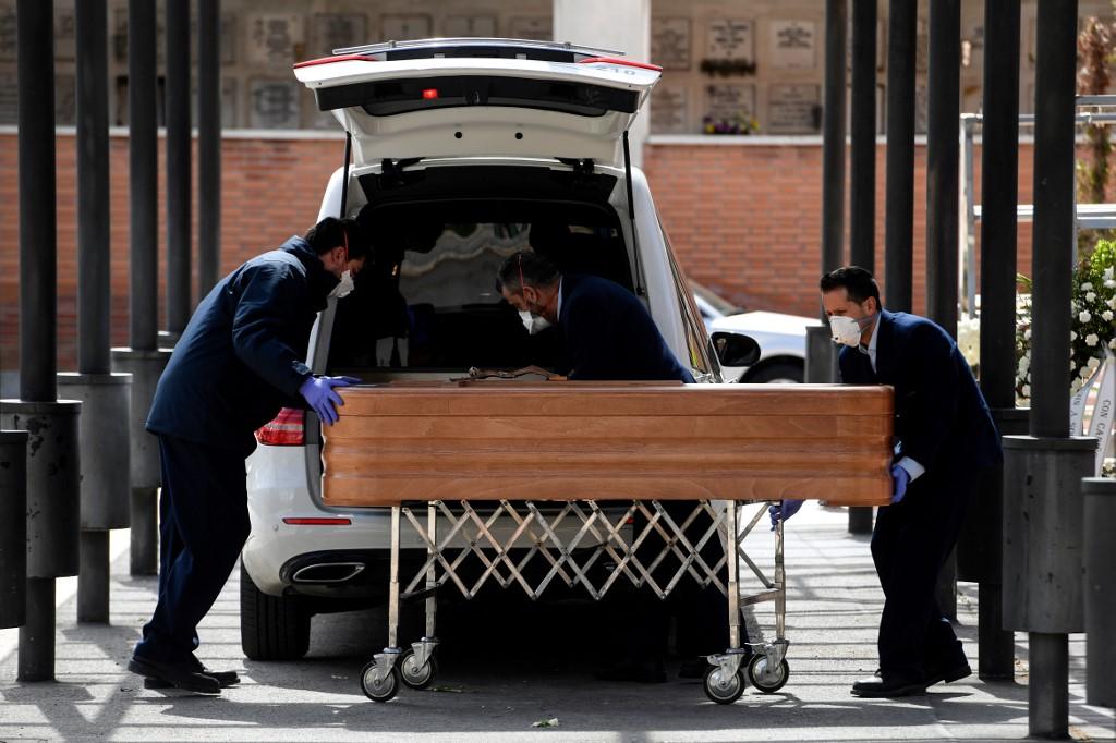 Spanja thyen tjetër rekord, qindra të vdekur vetëm 24 orët e fundit nga koronavirusi