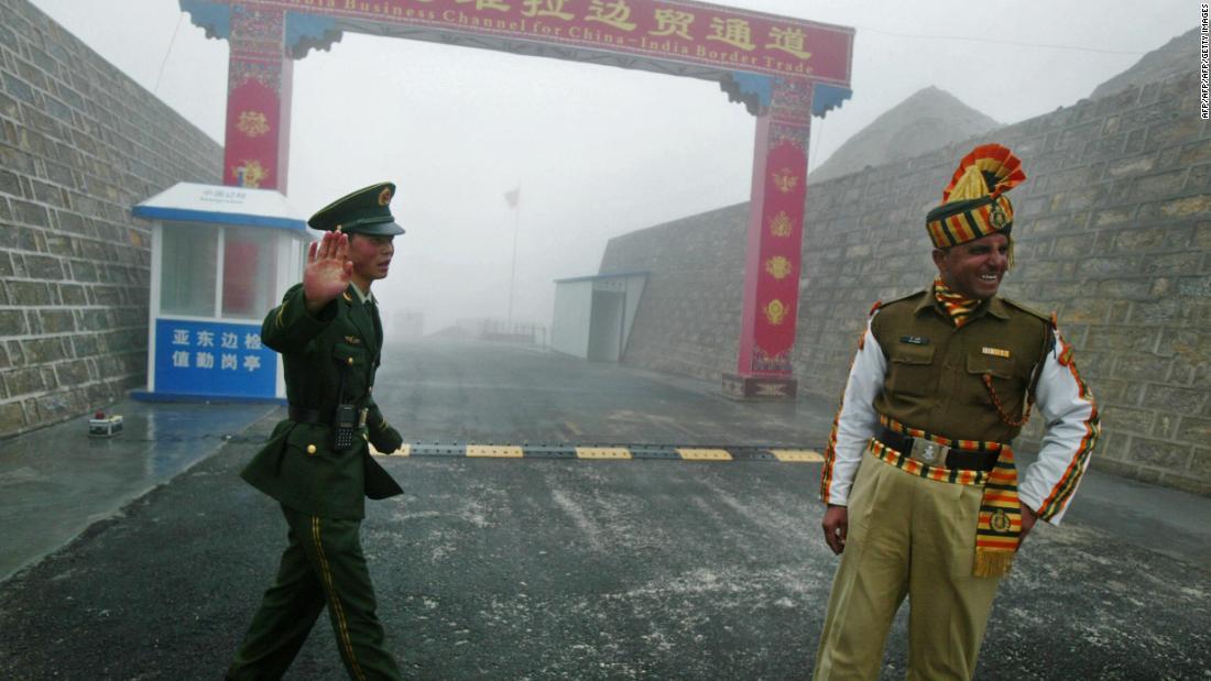 Ushtarët kinezë dhe indianë përfshihen në përplasje 'agresive' ndërkufitare