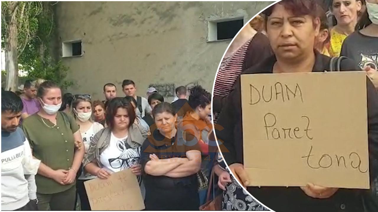 120 punonjës të një fasonerie në Vlorë kërkojnë pagën e luftës, marshojnë drejt Tatimeve