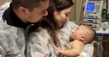 Pas 32 ditësh në koma, foshnja 5-muajshe shërohet nga Covid-19