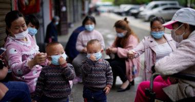 Mjekët japonezë: Fëmijët nën moshën 2 vjeç nuk duhet të mbajnë maskë