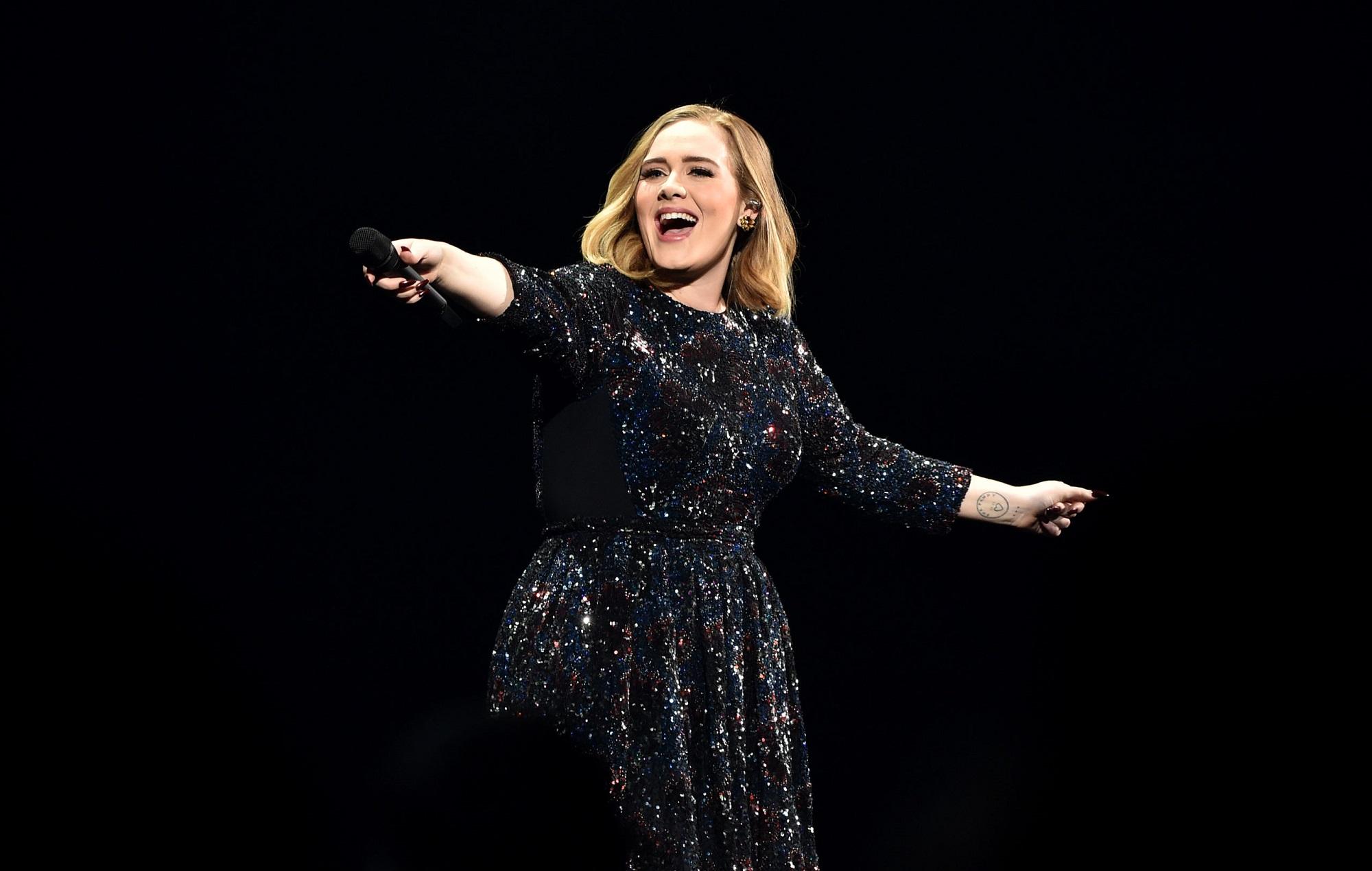 """Adele ti je? Izolimi """"transformon"""" këngëtaren e famshme"""